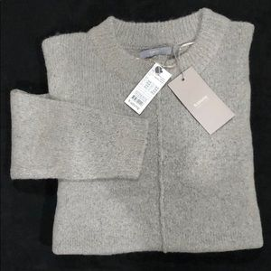 B young mirelle sweater